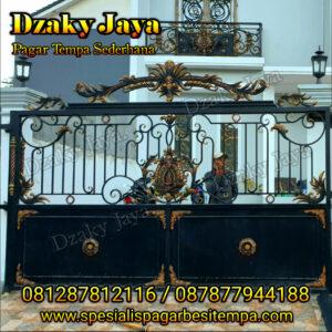 pintu gerbang besi tempa klasik minimalis