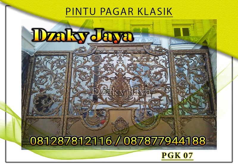 pintu gerbang besi mewah warna gold